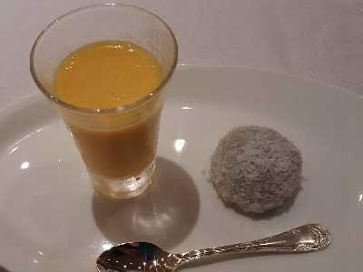 重慶飯店コース料理デザート盛り合わせ